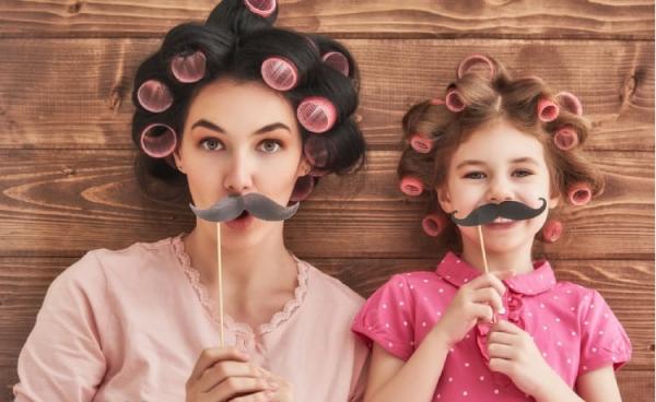 Mẹ và con gái: Mối quan hệ tuyệt đẹp nhưng cũng đầy bất ngờ